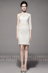 robe de mariée courte asymétrique en dentelle