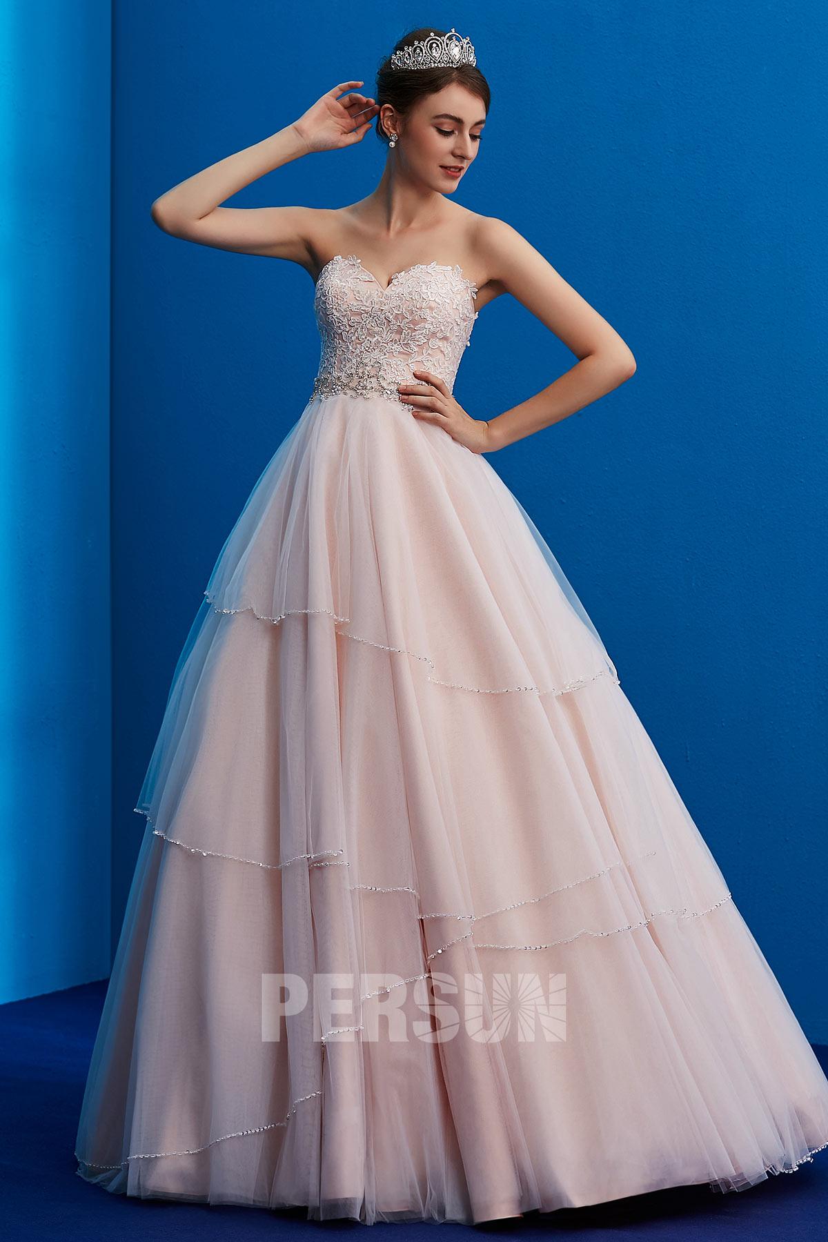 robe de mariée rose pale princesse bustier coeur appliqué de dentelle