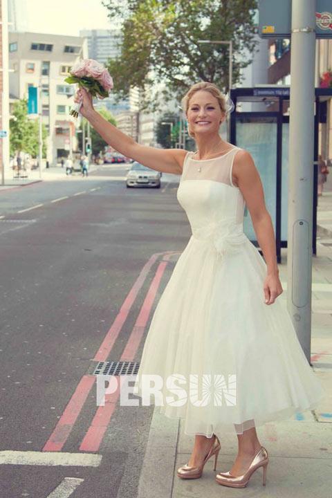 robe de mariée simple mi-longue illusion transparente taille ornée de fleurs fait-main