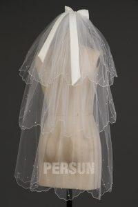 voile courte à volants orné de perles pour mariée