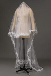 voile de mariée à ourlet travaillé de dentelle appliquée & perles