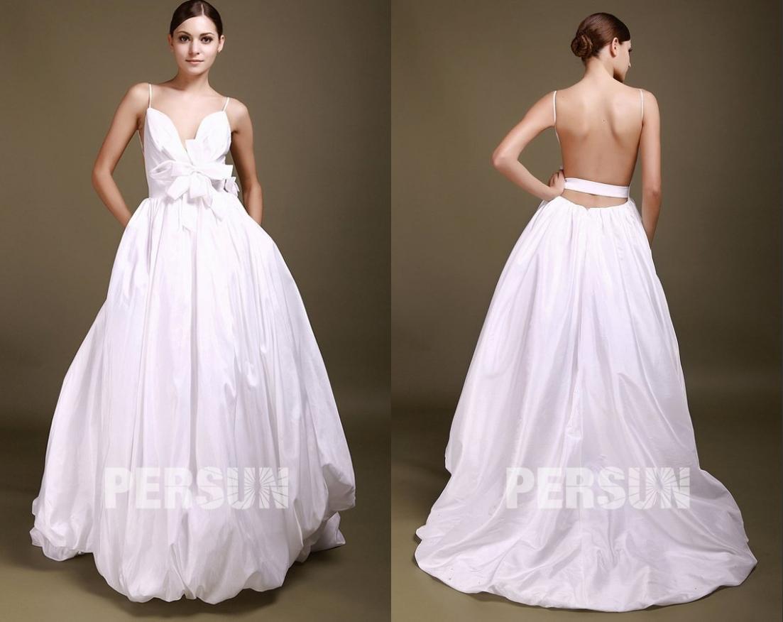 robe  de mariée sexy chic dos nu col v plongeant orné de noeud papillon avec bretelles fines