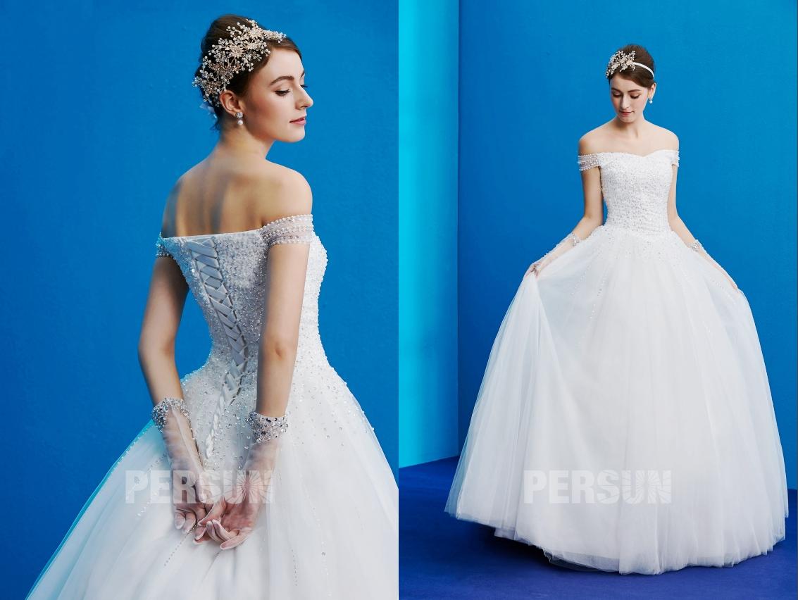robe de mariée col bardot haut embelli de perles et de sequins et jupe ample en tulle