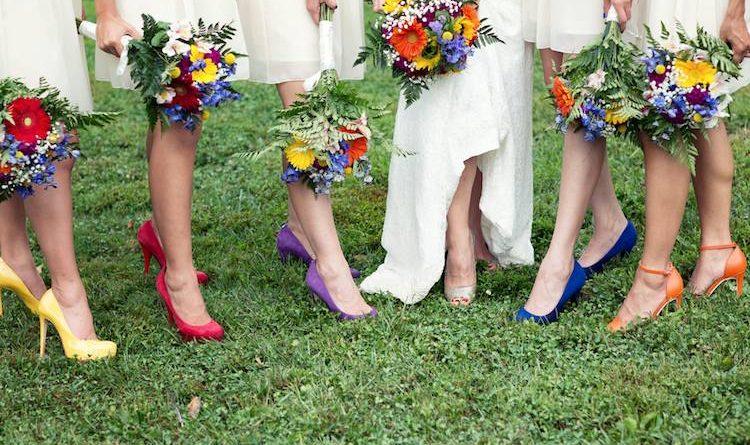 chaussure colorée de mariage