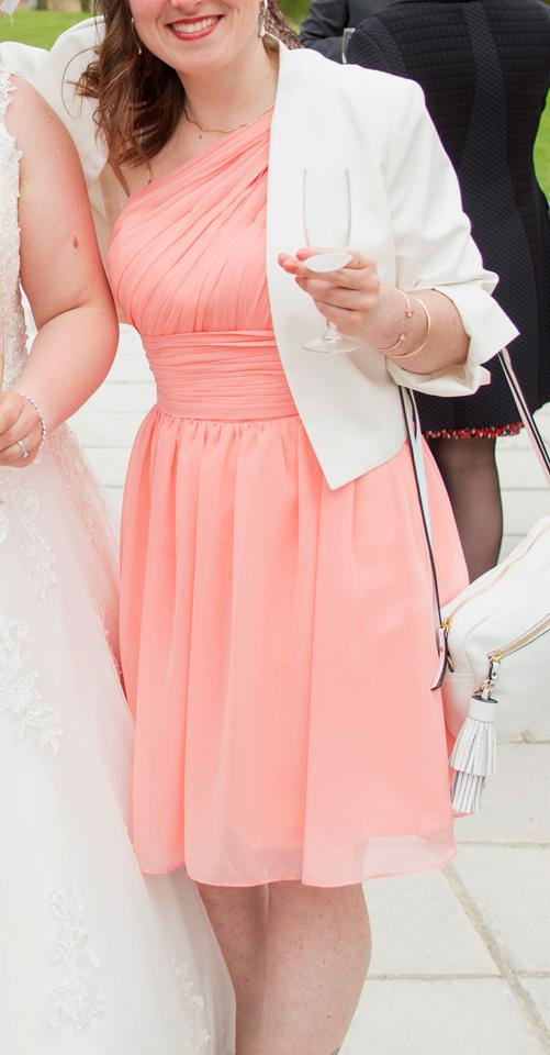 robe invité mariage courte asymétrique pêche bustier plisssé