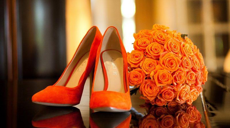 chaussure de mariage orange à talon haut bout pointu