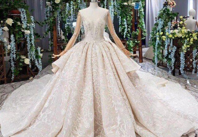 robe de mariée princesse luxe en dentelle brodé à manche longue