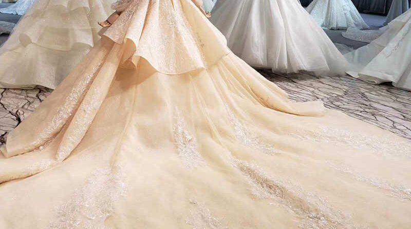 robe mariage champagne à traîne cathédrale