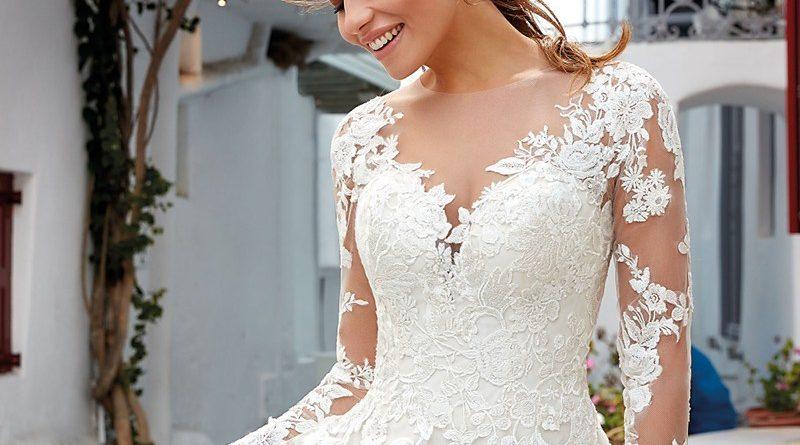 robe de mariée col v en dentelle appliquée avec manche longue