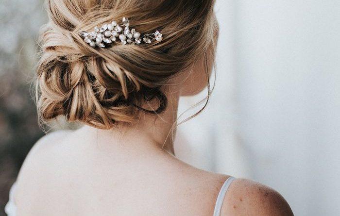 accessoire de mariée embelli de strass